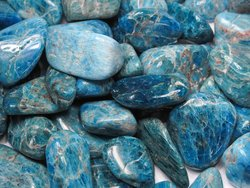 Apatite Tumbled Stones Small (18-25mm) - 10LBS